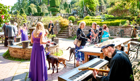 Dajo Jazz playing Fingask Castle May 2016